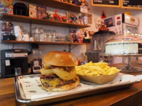 Murdock Burger